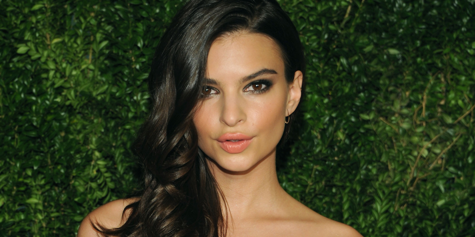 Emily Ratajkowski Gets Glamorous For CFDA/Vogue Fashion Fund Awards