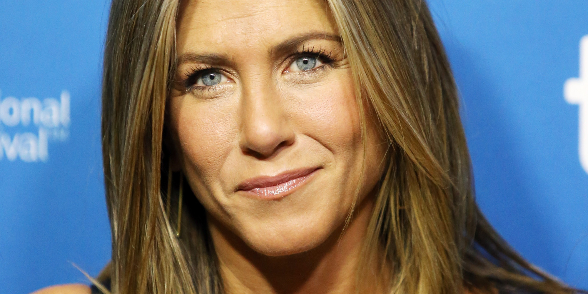 Jennifer Aniston Says Going Without Makeup In 'Cake' Was ... Jennifer Aniston