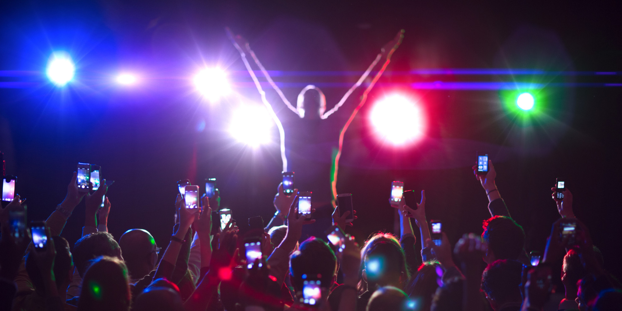 How Venues Are Fighting Back Against Annoying Smartphone