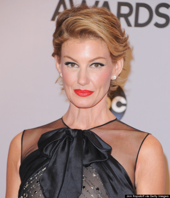 Faith Hill Debuts A Pixie Cut At The Cma Awards Huffpost