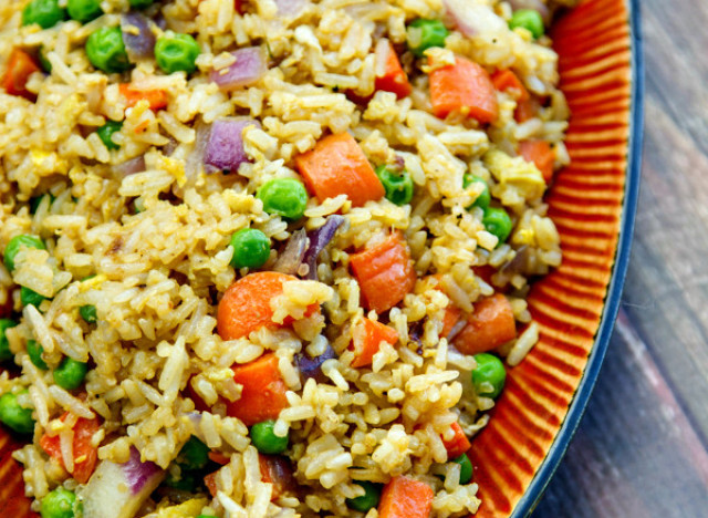 How to make a vegetarian fried rice from last nights leftovers fried rice ccuart Images