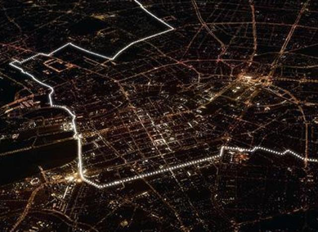 photos chute du mur de berlin 8000 ballons illumin s sur. Black Bedroom Furniture Sets. Home Design Ideas