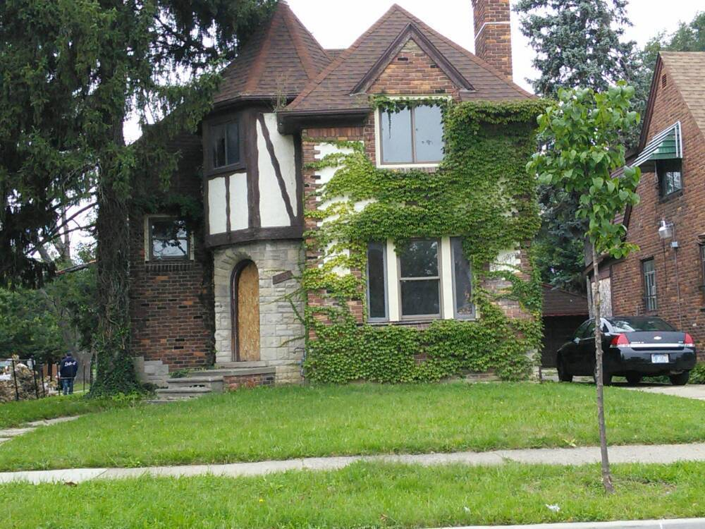 plan to buy 6 000 dilapidated detroit properties falls