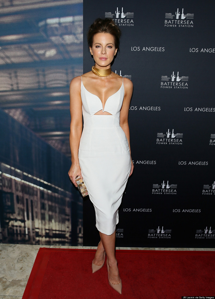 Kate Beckinsale Is A Knockout In Curve-Hugging Dress