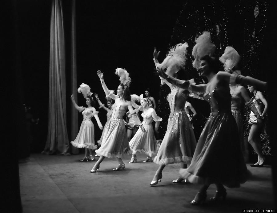 burlesk teater kryssord