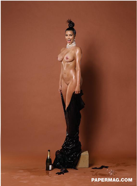 kim kardashian seins nus paper magazine