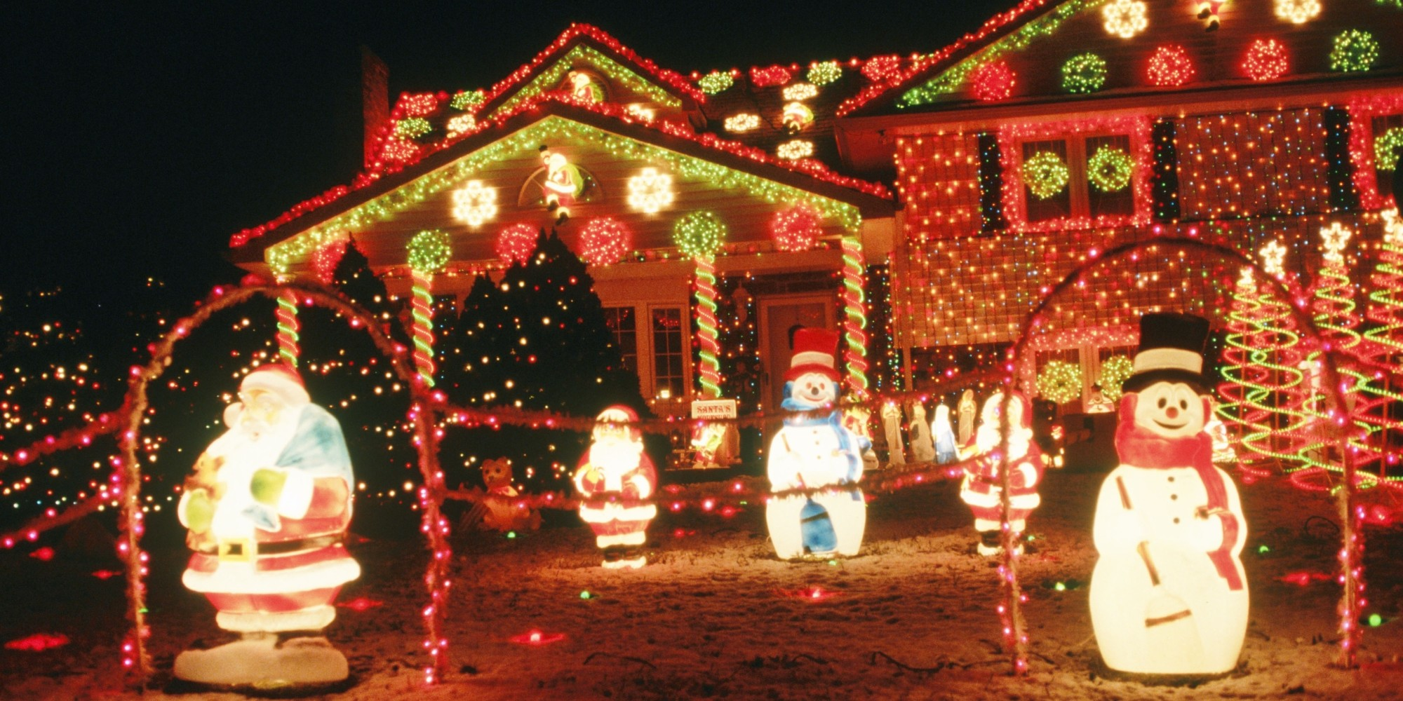 Outdoor Christmas Lights That Will Look Gorgeous