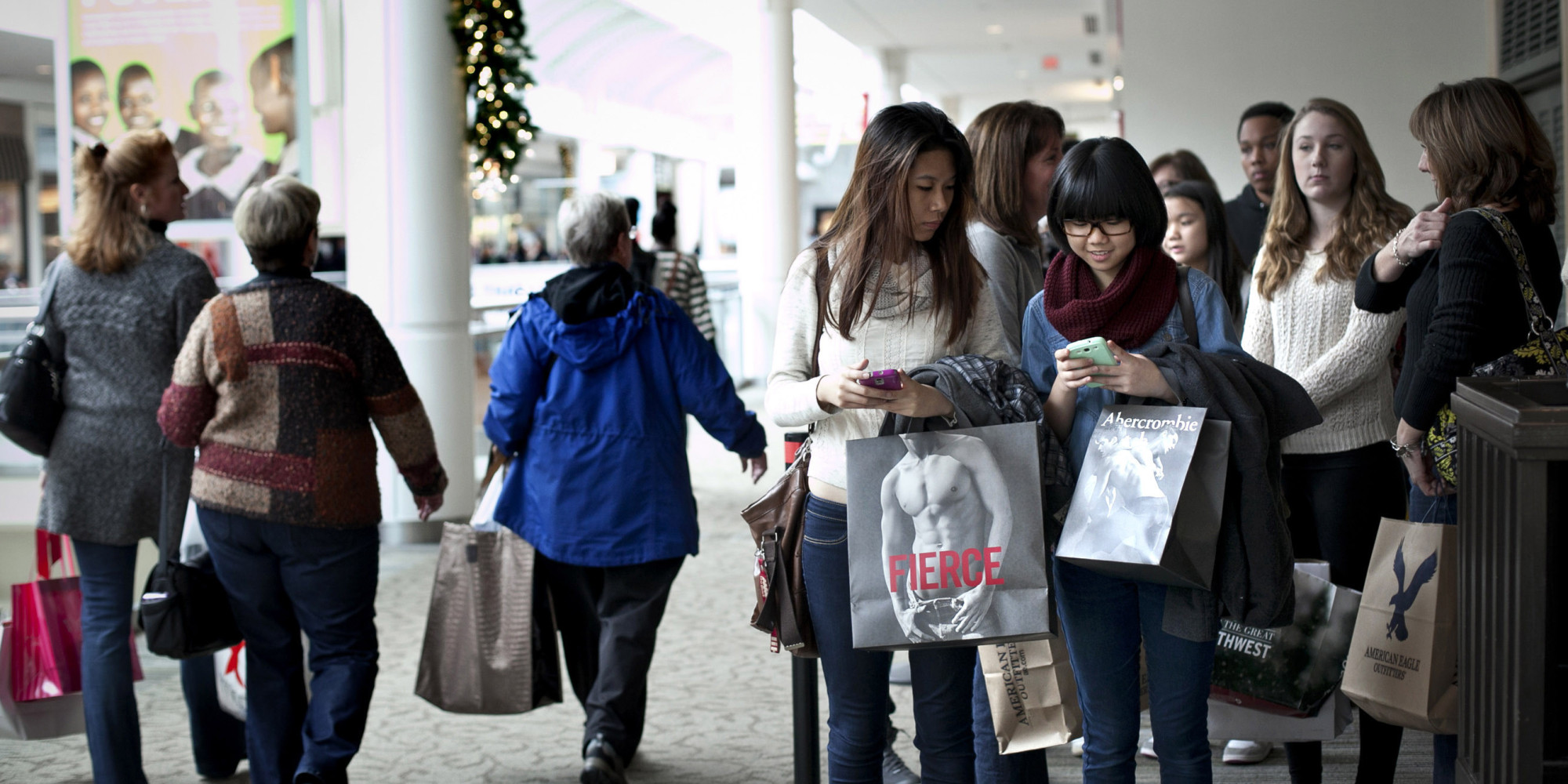 BOSTON - Black Friday is here and sometimes lining up will get you the best deals.. FOX25 checked with the local branches of the big box retailers to see when they are opening in Massachusetts.