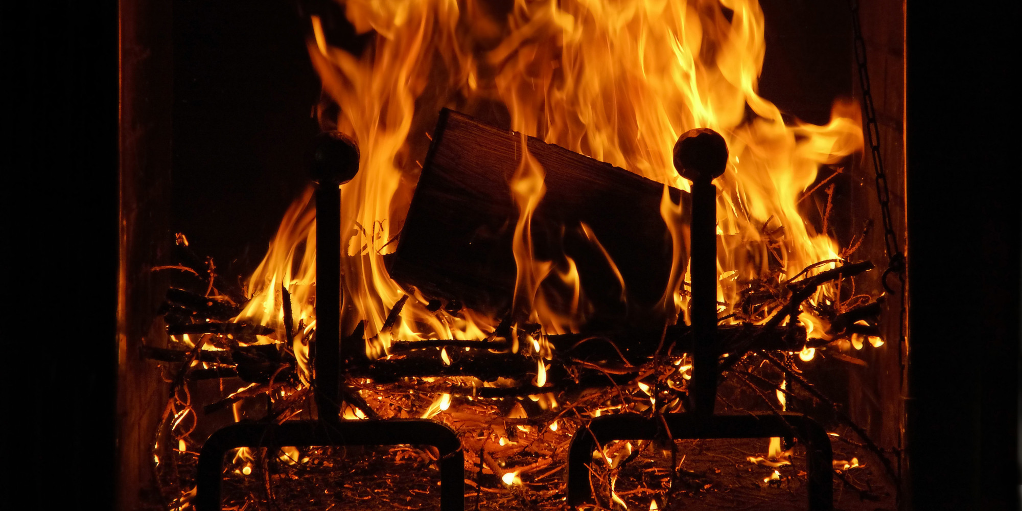 The Evolutionary Reason Why We Love Sitting By A Crackling Fire ...