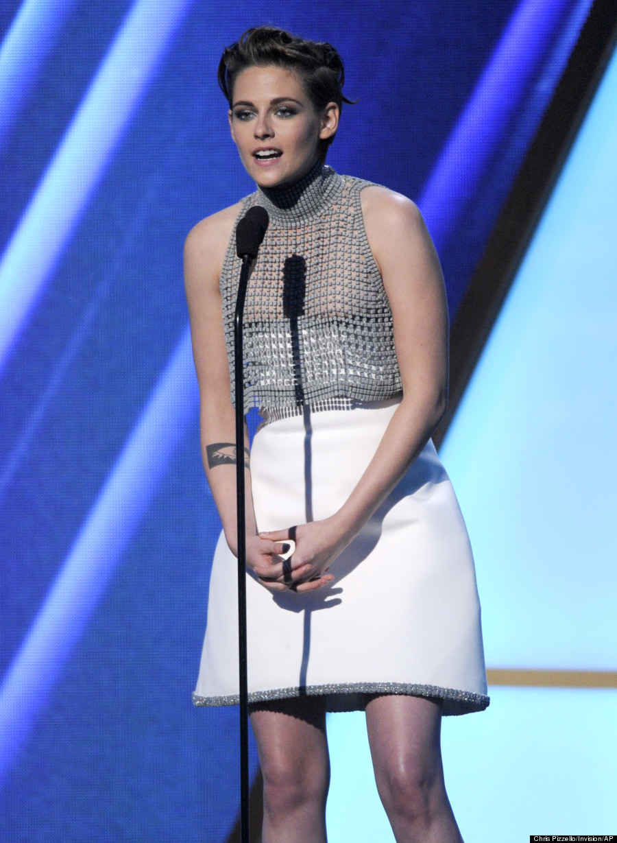 Kristen Stewart Suffers Wardrobe Malfunction At 2014