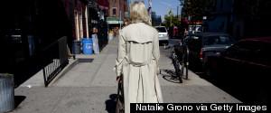 WOMAN WALKING DOWN NYC