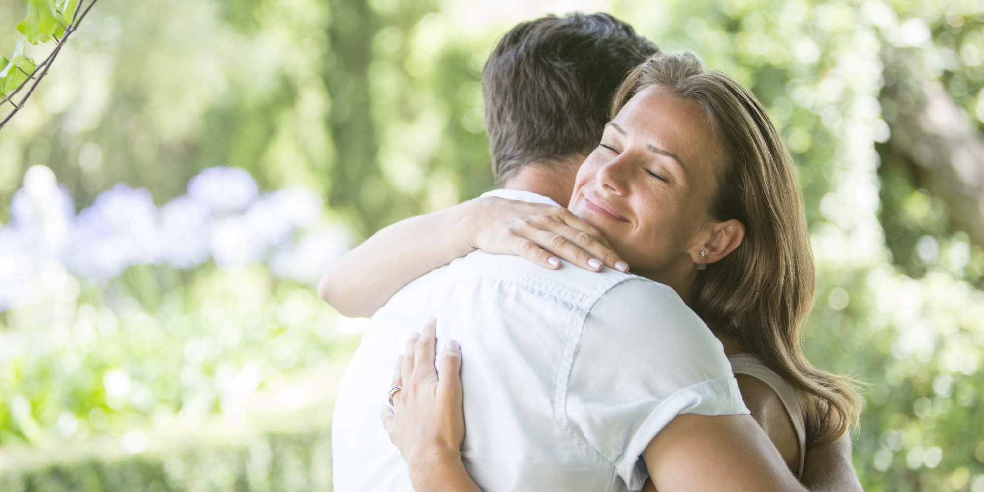 hugging ways why etiquette showing affection important matter huffpost