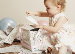 12 Baby Names That Mean 'Gift'