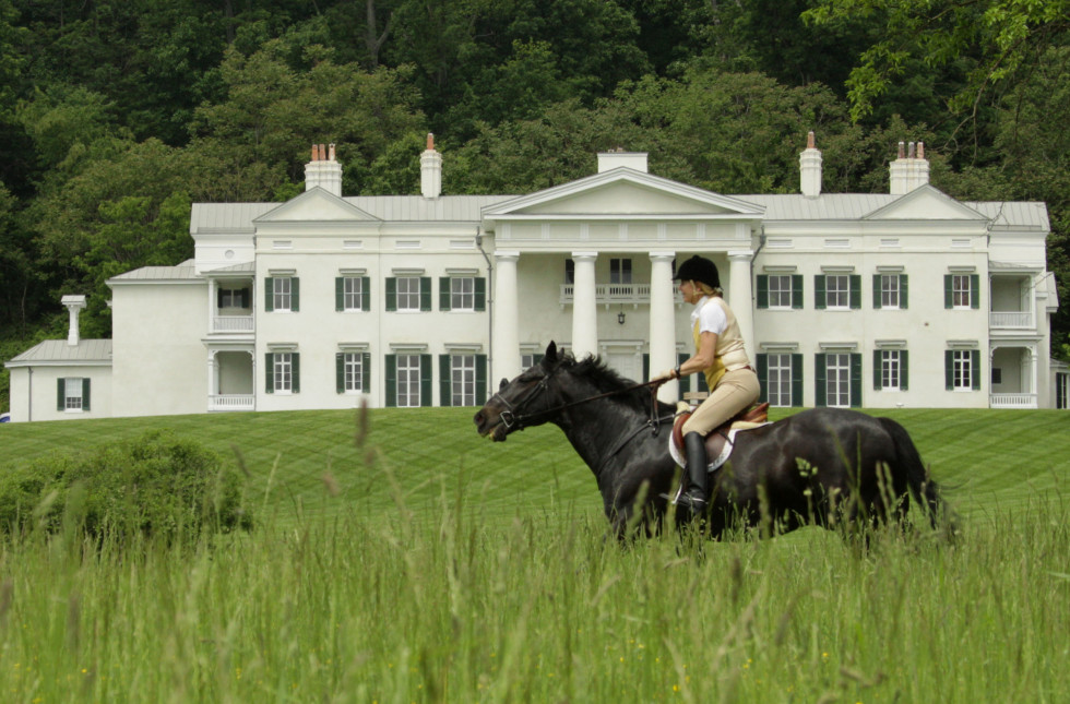 horse and mansion
