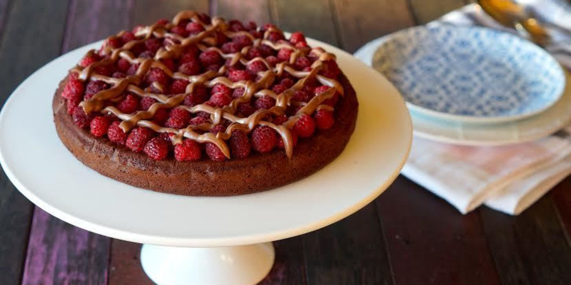 paleo dessert recipes chocolate raspberry ganache cake. Black Bedroom Furniture Sets. Home Design Ideas