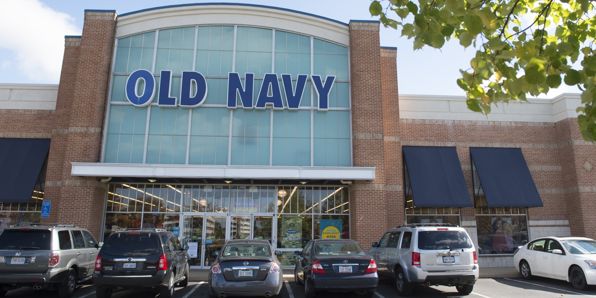 Meet The Woman Who Wants Old Navy To Stop Charging Plus-Size Women ...