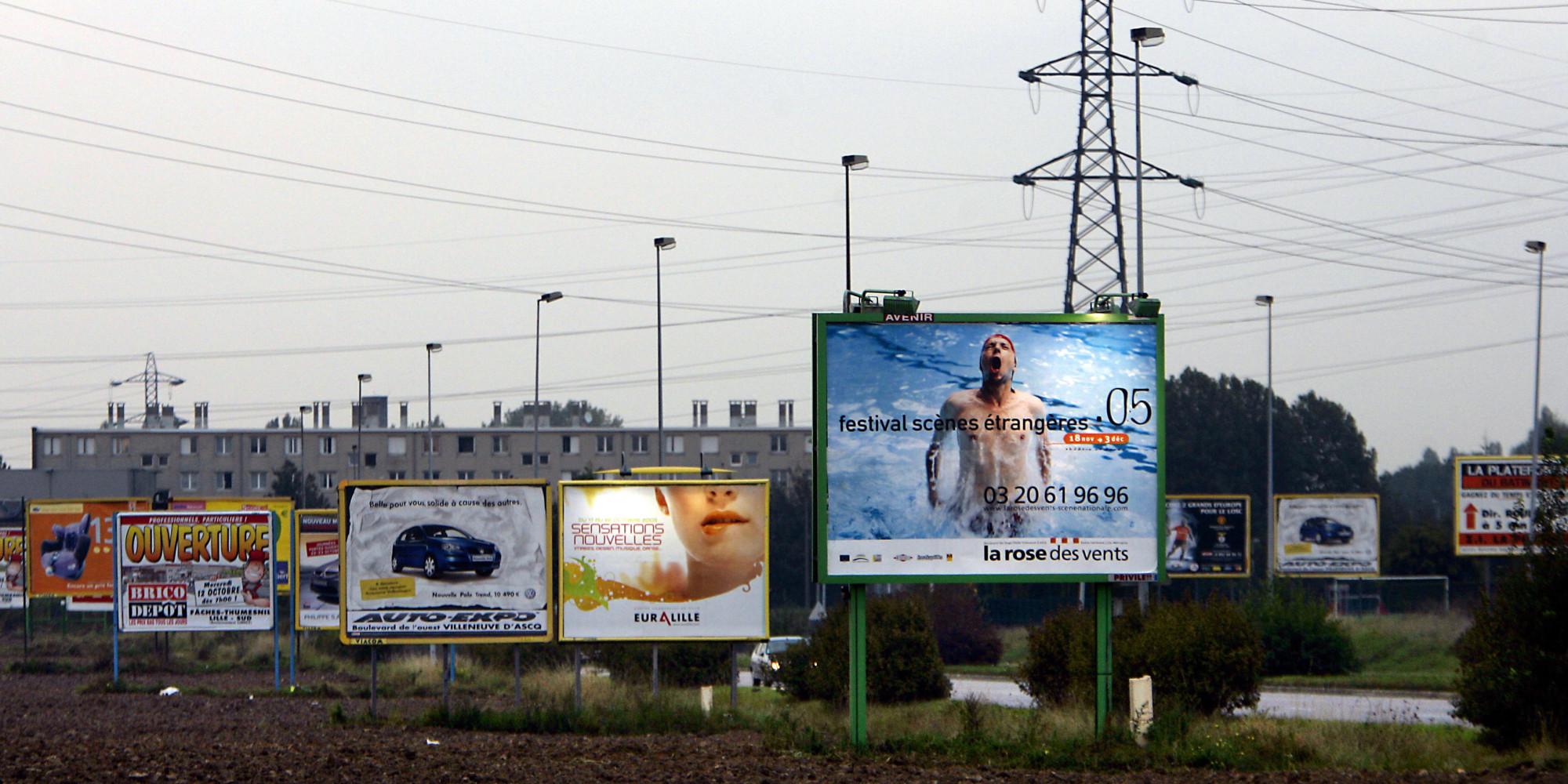 Grenoble les panneaux publicitaires vont dispara tre a d cid le maire ric piolle - Bureau de change grenoble ...