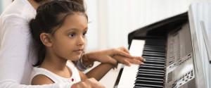 Kind Klavier