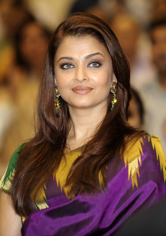 Aishwarya Rai Bachchan Might 'Take Action' Over Elle India ...