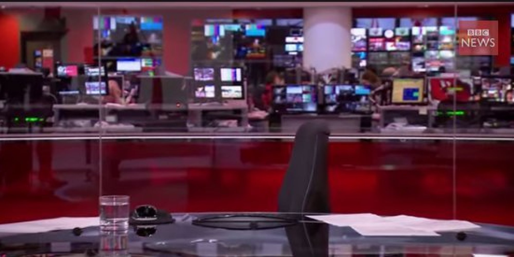 BBC News Photo: BBC News Presenter Martine Croxall Finds Herself In Front
