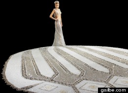 http://i.huffpost.com/gen/2326396/thumbs/s-WEDDING-DRESS-large.jpg