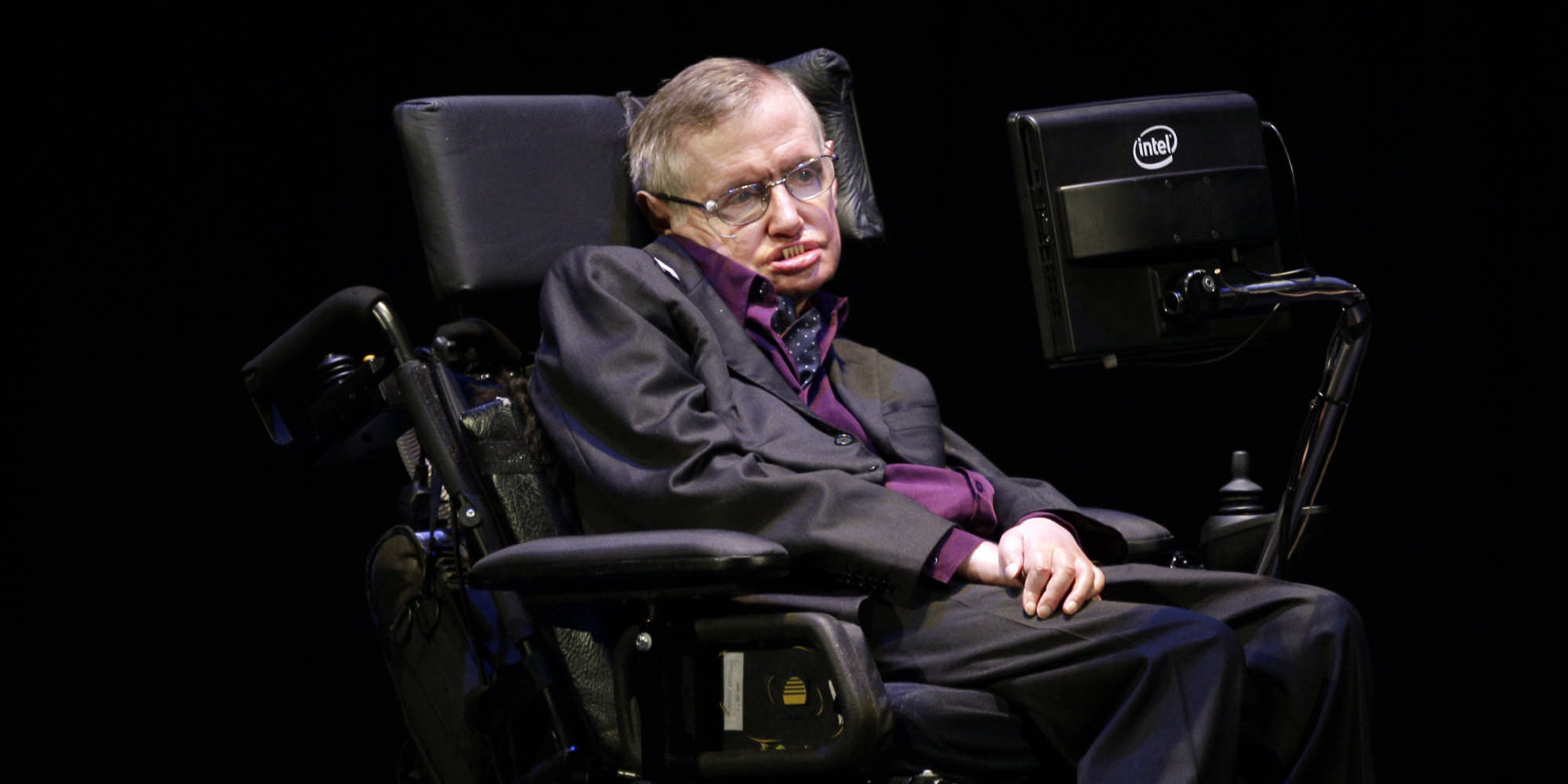 Stephen Hawking Wants To Be A Villain In A James Bond Movie
