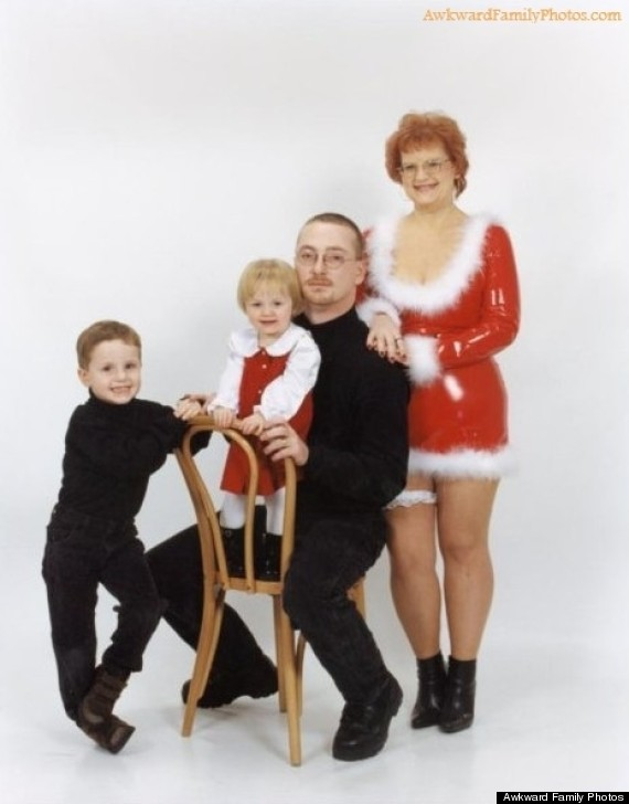 awkward family photos christmas