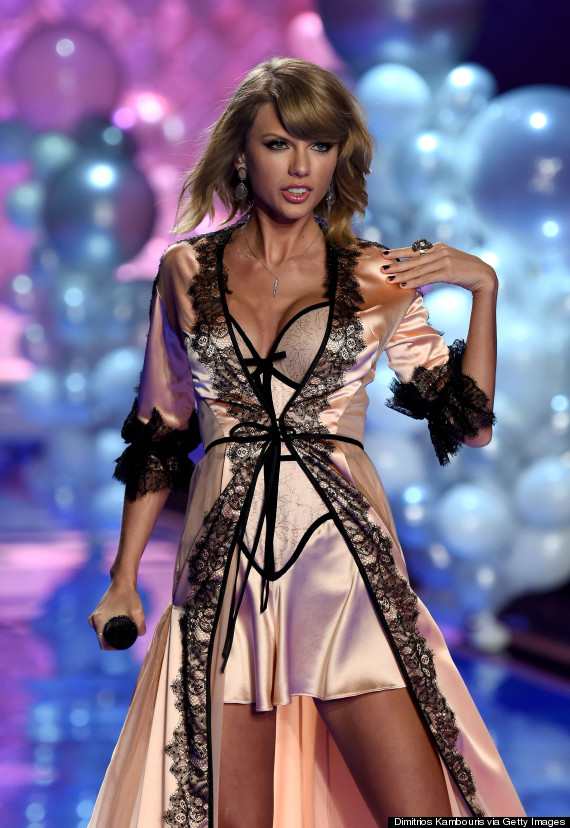 Taylor Swift Slips On Some Silky Lingerie For The Victoria S Secret Fashion Show Huffpost