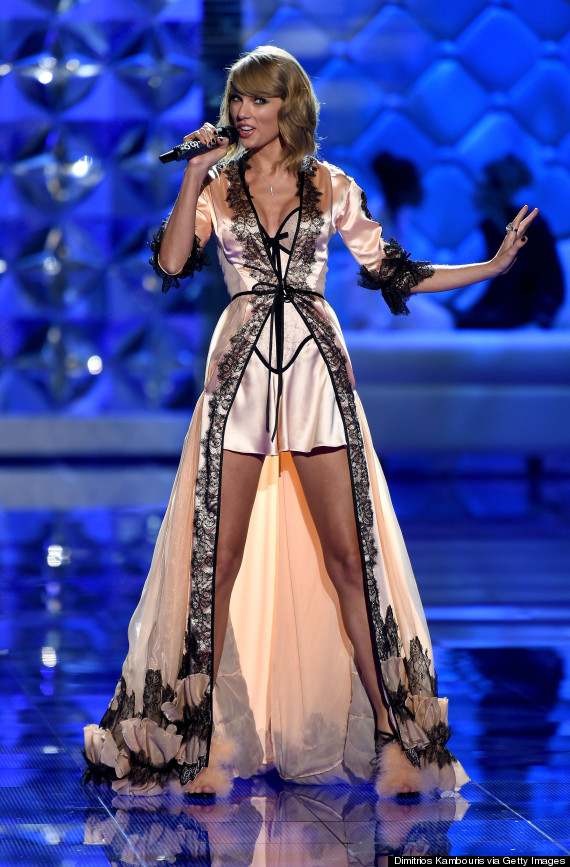 Taylor Swift Slips On Some Silky Lingerie For The Victoria\'s Secret ...
