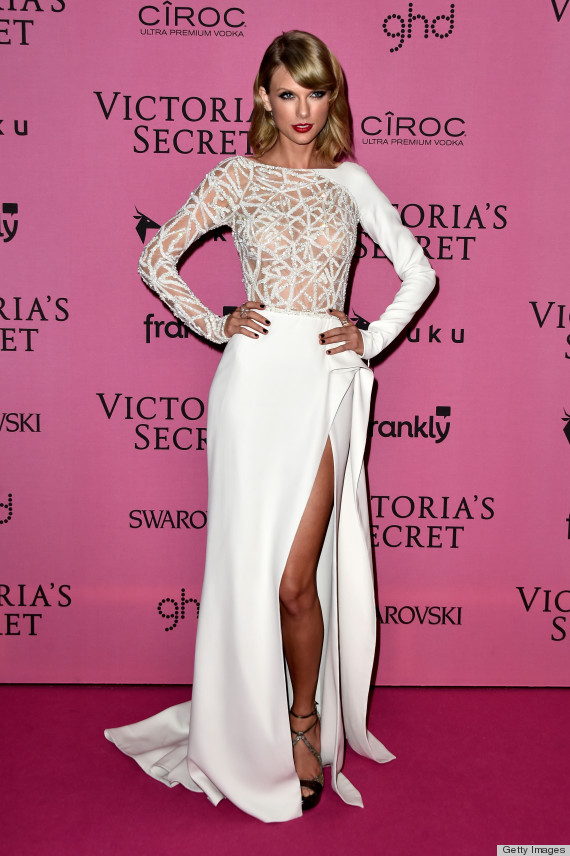Alessandra Ambrosio Channels Kendall Jenner At The Victoria\'s Secret ...
