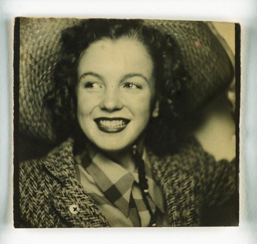 FOTO Marilyn Monroe nasceva 89 anni fa, la prima foto selfie