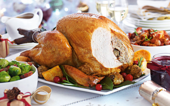 How To Cook A Perfect Turkey This Christmas (In 14 Simple Steps)
