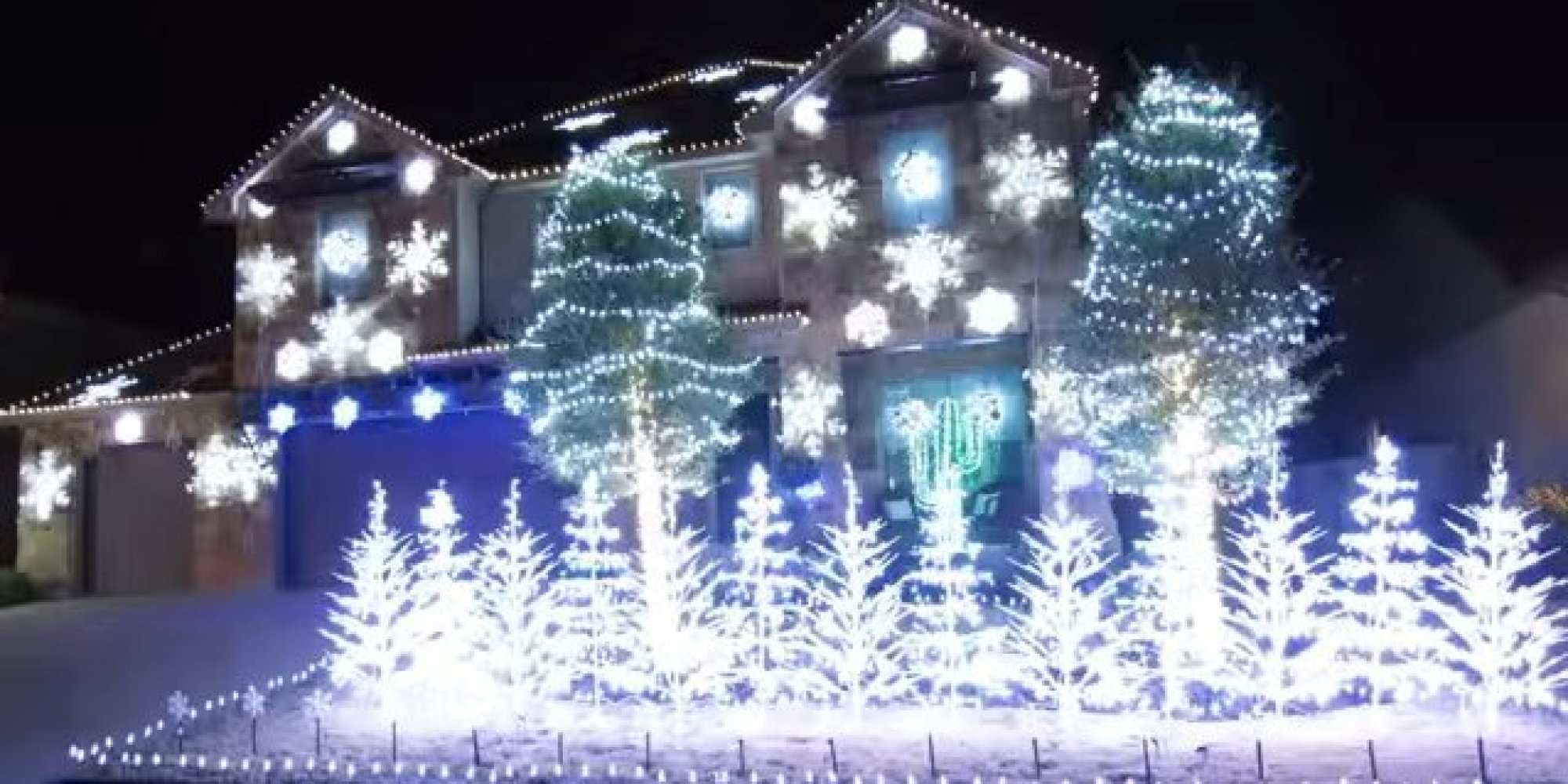 let it go u0027 christmas light display is so cool it will freeze you
