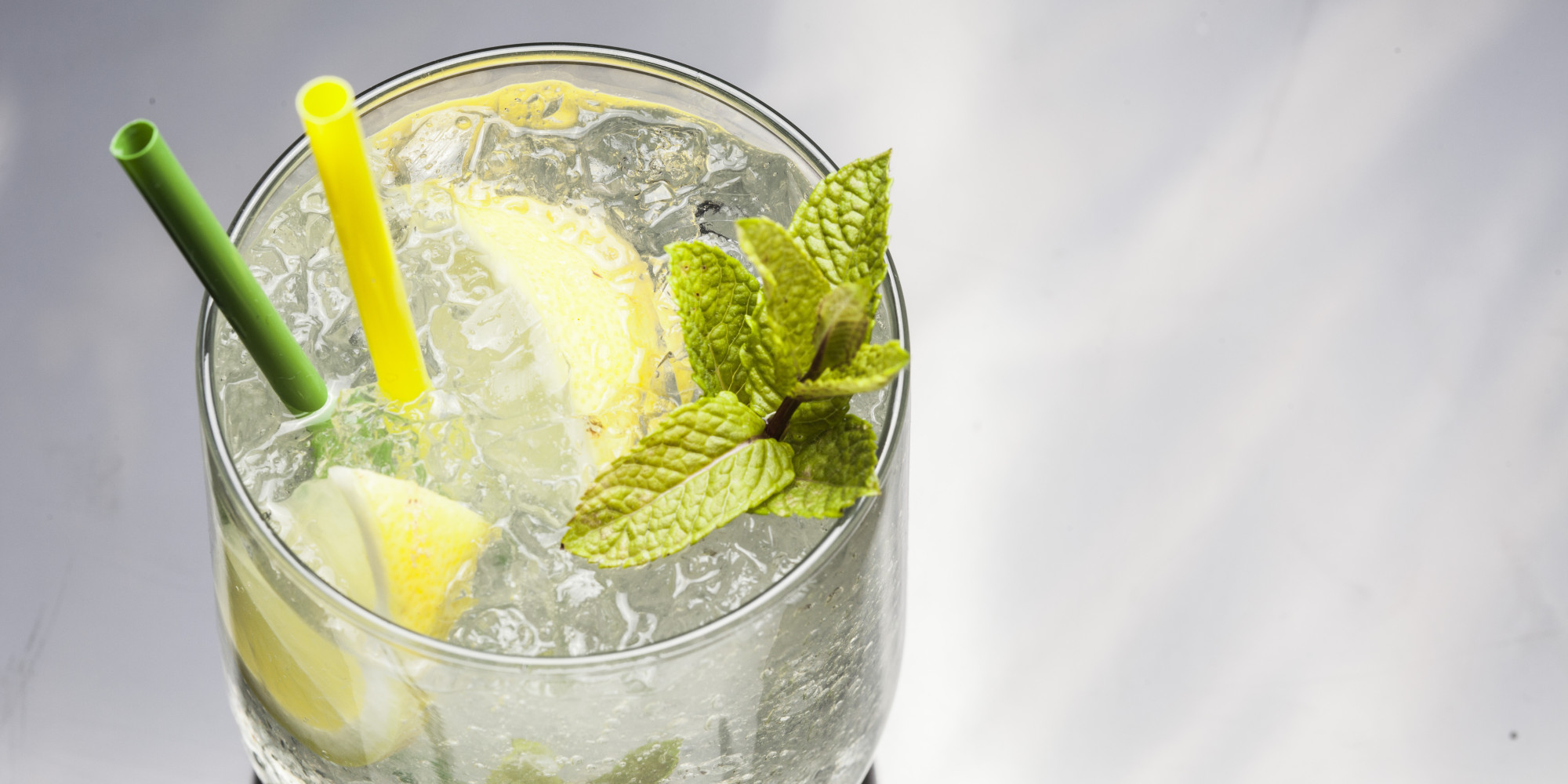 5 gin cocktails to try right this second huffpost for Mixed drinks using gin