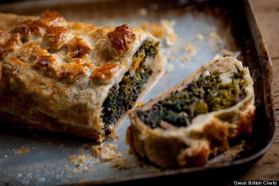Vegetarian Christmas Dinner Alternatives: Veggie Wellington, Pan ...