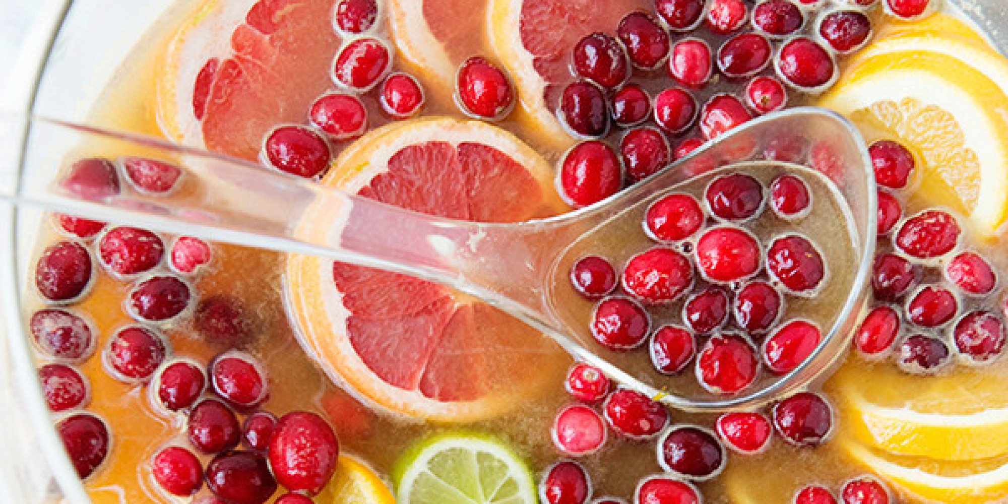 Holiday Punch Recipes That'll Make You Fall Absolutely Drunk In Love