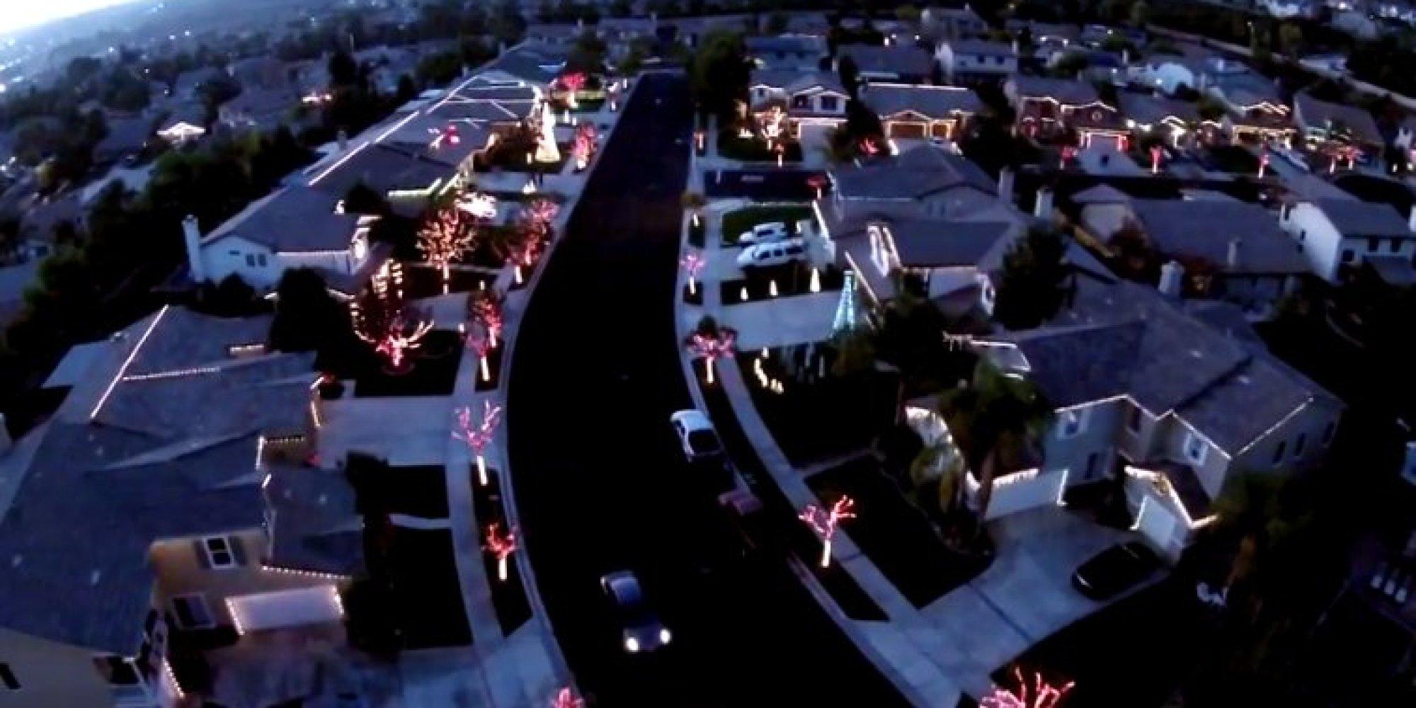 O CHRISTMAS LIGHT SHOW Facebook