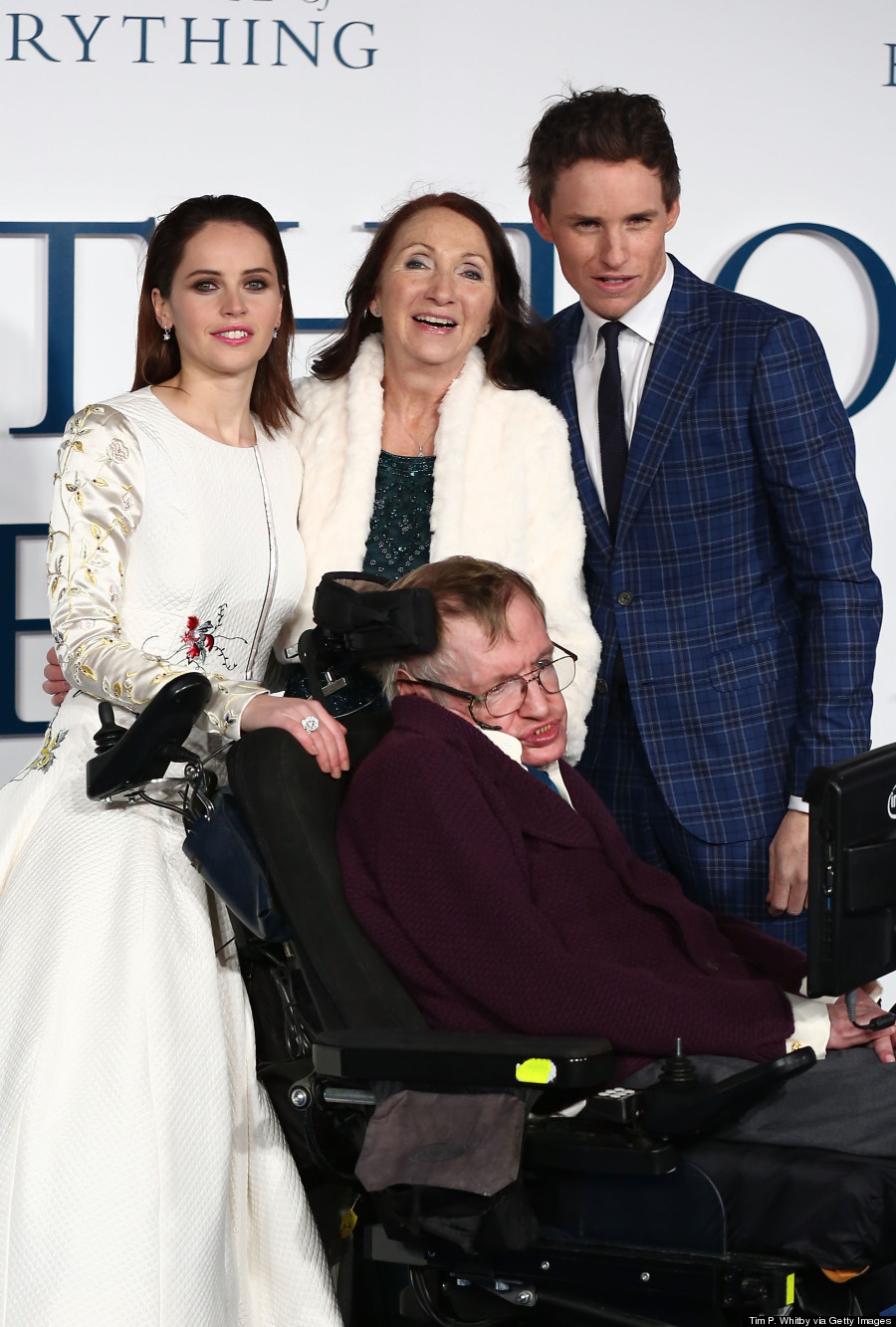eddie redmayne stephen hawking comparison. stephen hawking eddie redmayne comparison