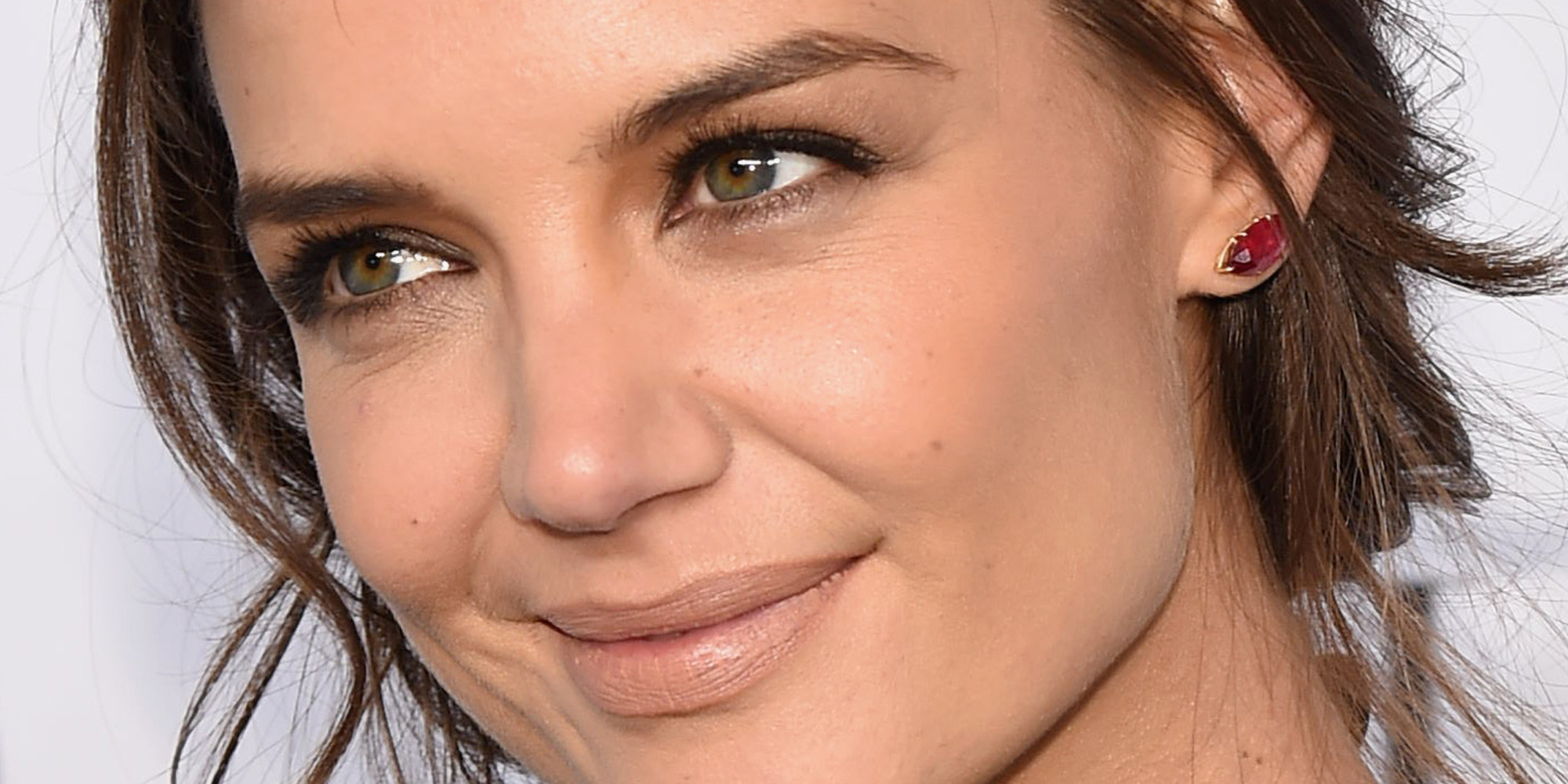 Katie holmes is beautiful in all black at valentino event the