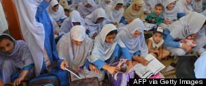 PAKISTAN CHILD READING