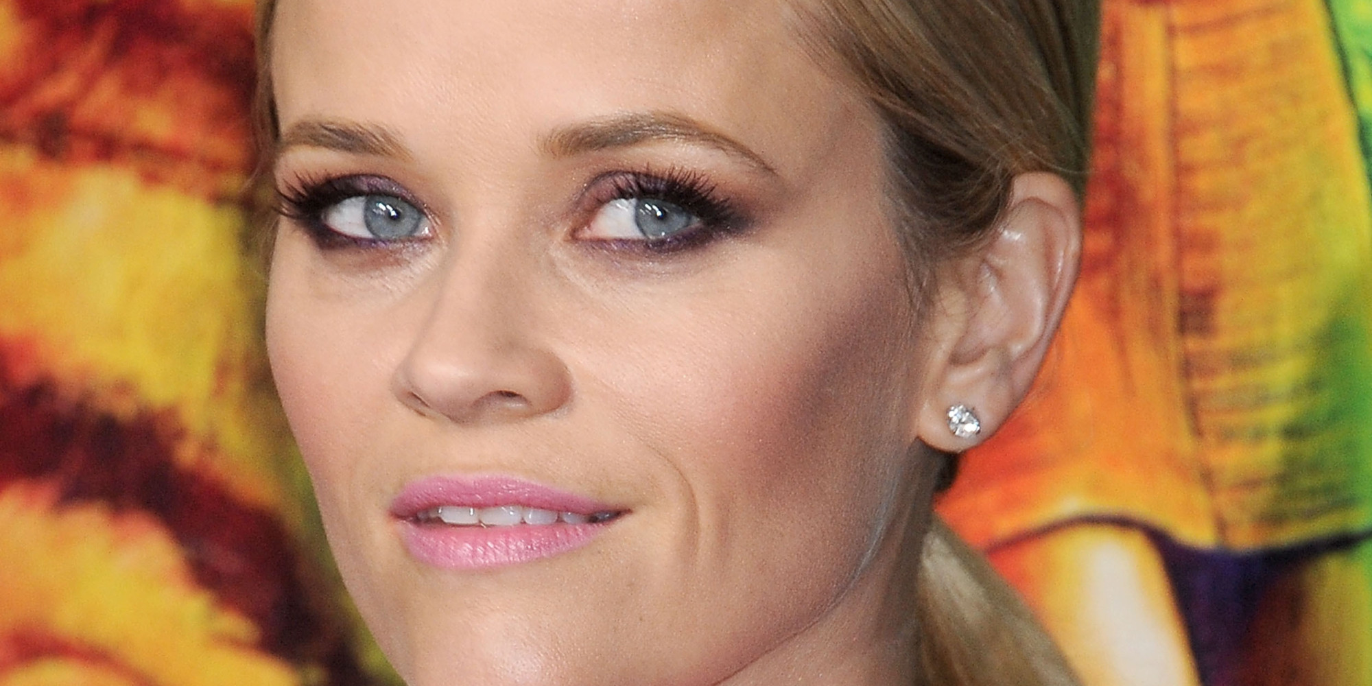 Reese Witherspoon S Smokey Eye Makeup Renders Us
