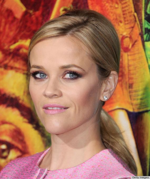 Reese Witherspoonu0026#39;s Smokey Eye Makeup Renders Us ...