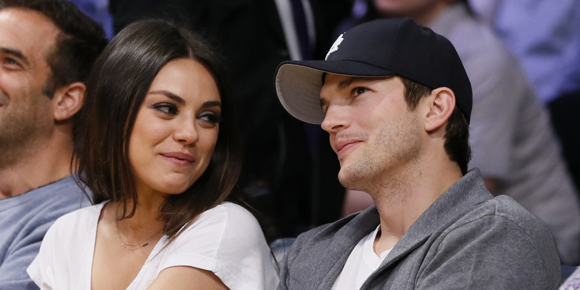 Ashton Kutcher Girlfriend net worth tattoos smoking & body facts - Taddlr