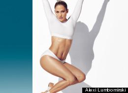 Jennifer Lopez luce su abdomen increíblemente tonificado