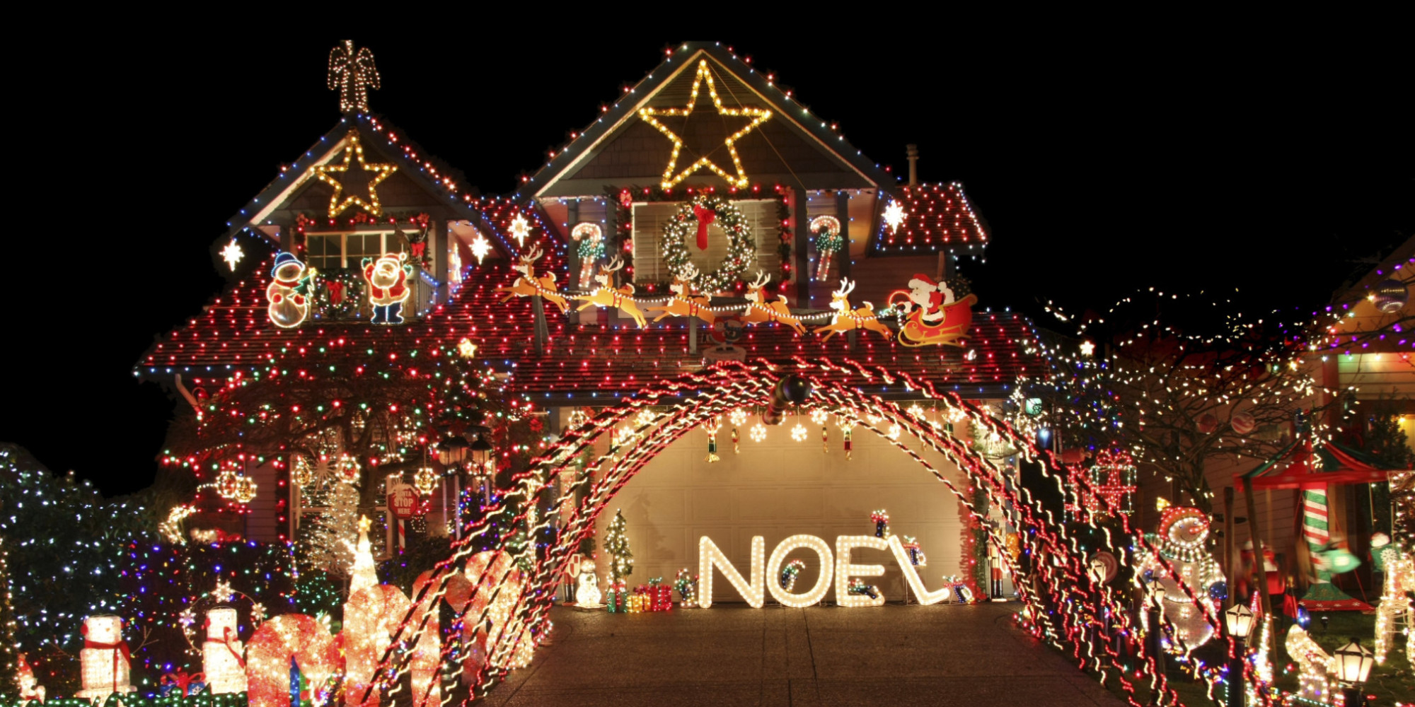 O CHRISTMAS LIGHTS HOUSE Facebook