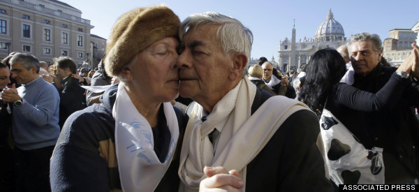Hundreds Tango At The Vatican For Pope Francis' Flashmob Birthday Surprise