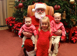 20 Things Your Mall Santa Is Thinking