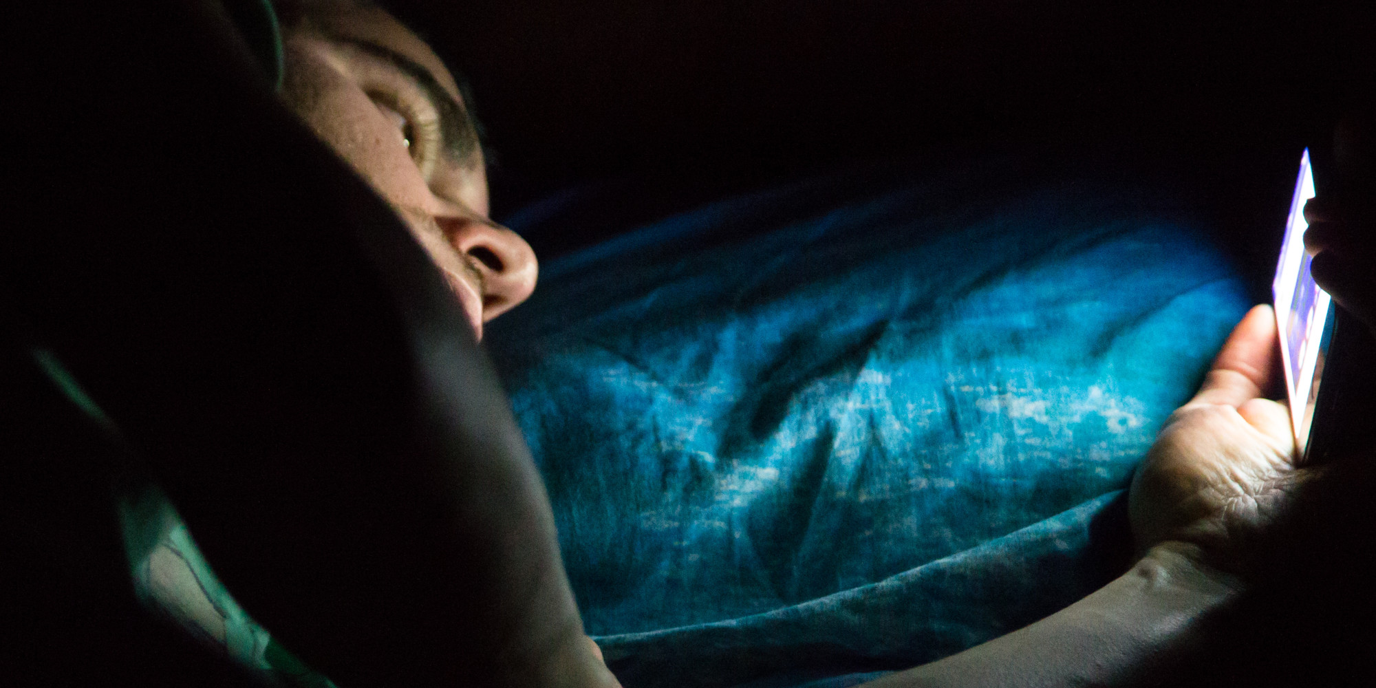Reading On A Screen Before Bed Might Be Killing You | HuffPost