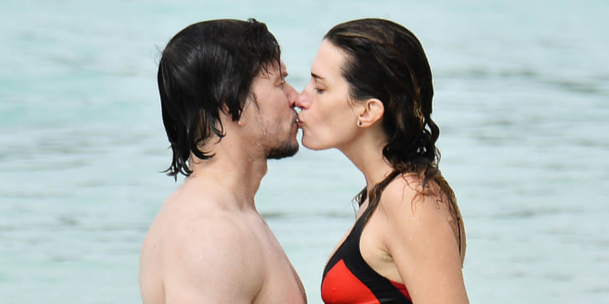 Mark Wahlberg And His Wife Bring Their PDA To The Beach | HuffPost
