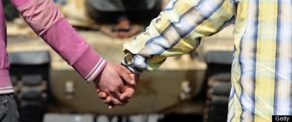 EGYPT HOLDING HANDS
